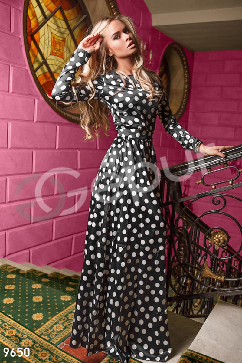 Черное платье горохом