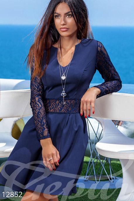 Купить Платья / Миди, Нежное коктельное платье с вырезом и рукавами из гипюра, Платье-12852, GEPUR, темно-синий