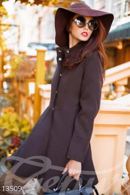 Короткое расклешенное пальто фото 1