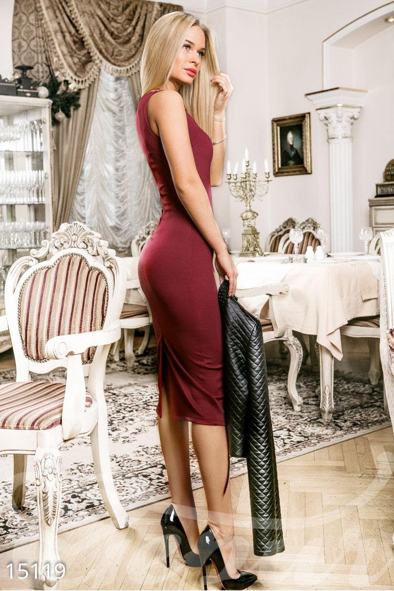 Соблазнительное облегающее платье