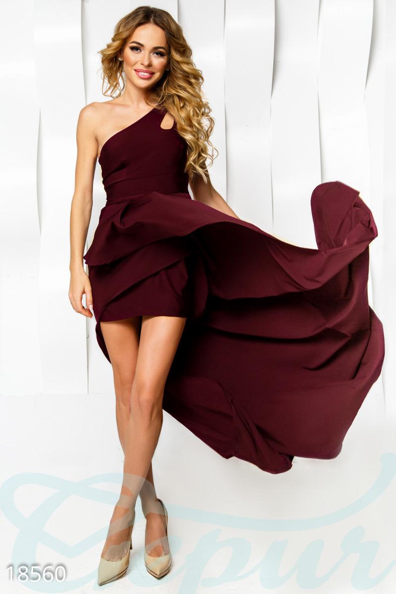 Асимметричное вечернее платье