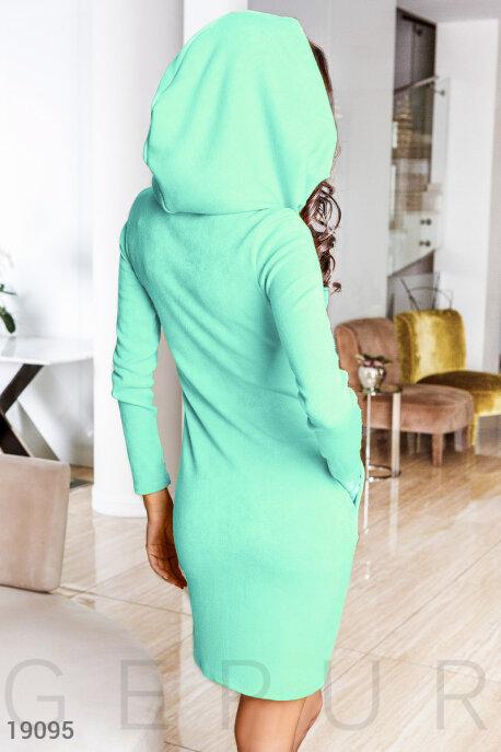 Ангоровое платье капюшон