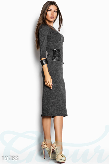 Ангоровое облегающее платье