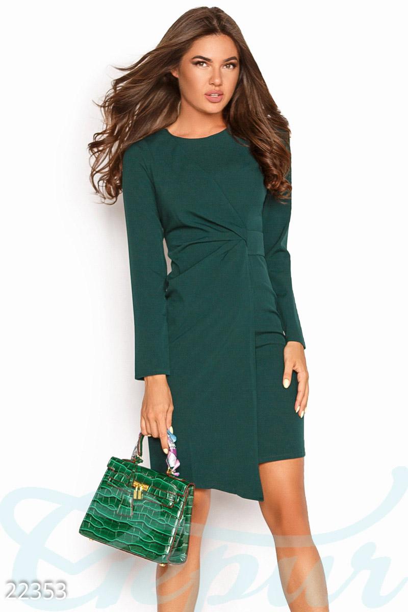 Асимметричное деловое платье