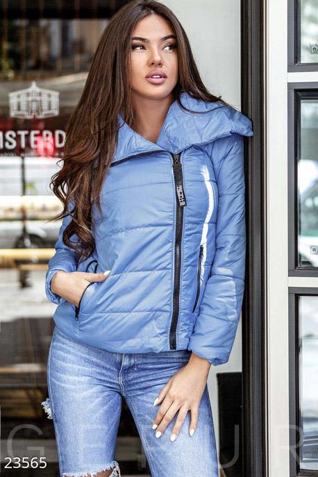 Двубортная женская куртка