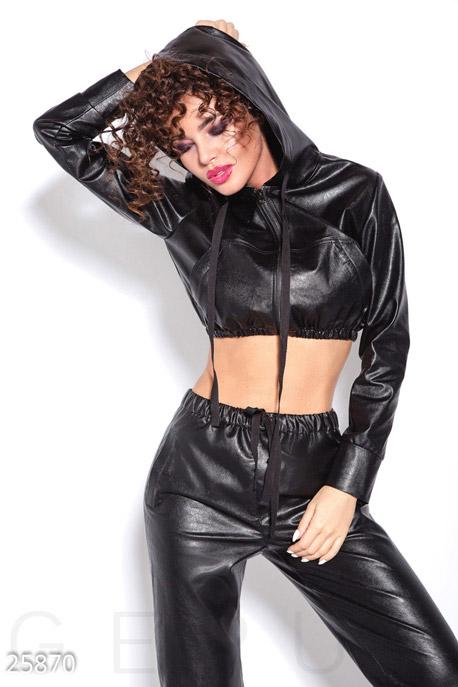 Модный кожаный костюм