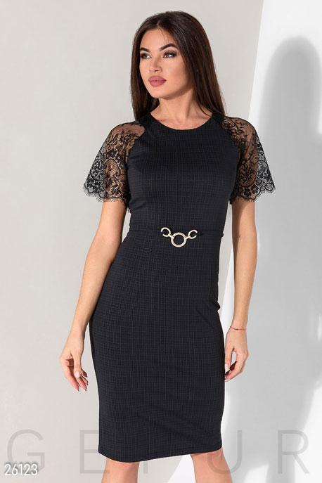 Эффектное деловое платье GEPUR