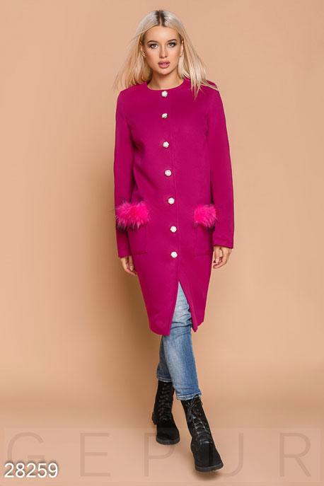 Яркое пальто с мехом купить в интернет-магазине в Москве, цена 1829.56 |Пальто-28259
