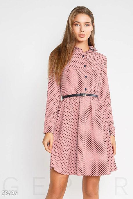 Нежное приталенное платье