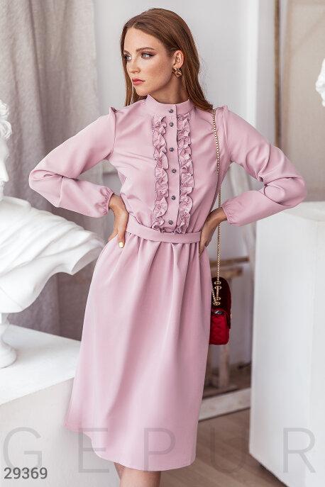 Розовое платье-миди