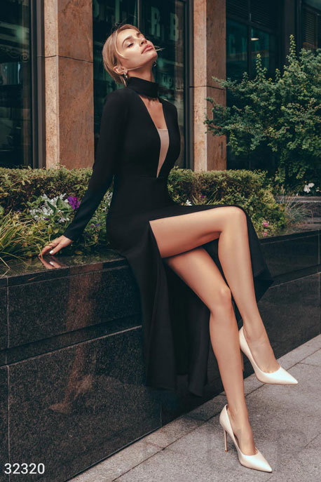 Расклешенное платье-миди
