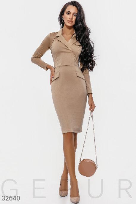 Трикотажное деловое платье