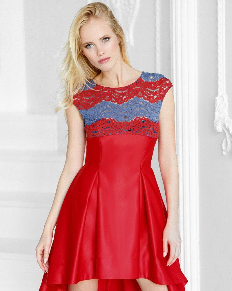 Яркое каскадное платье фото