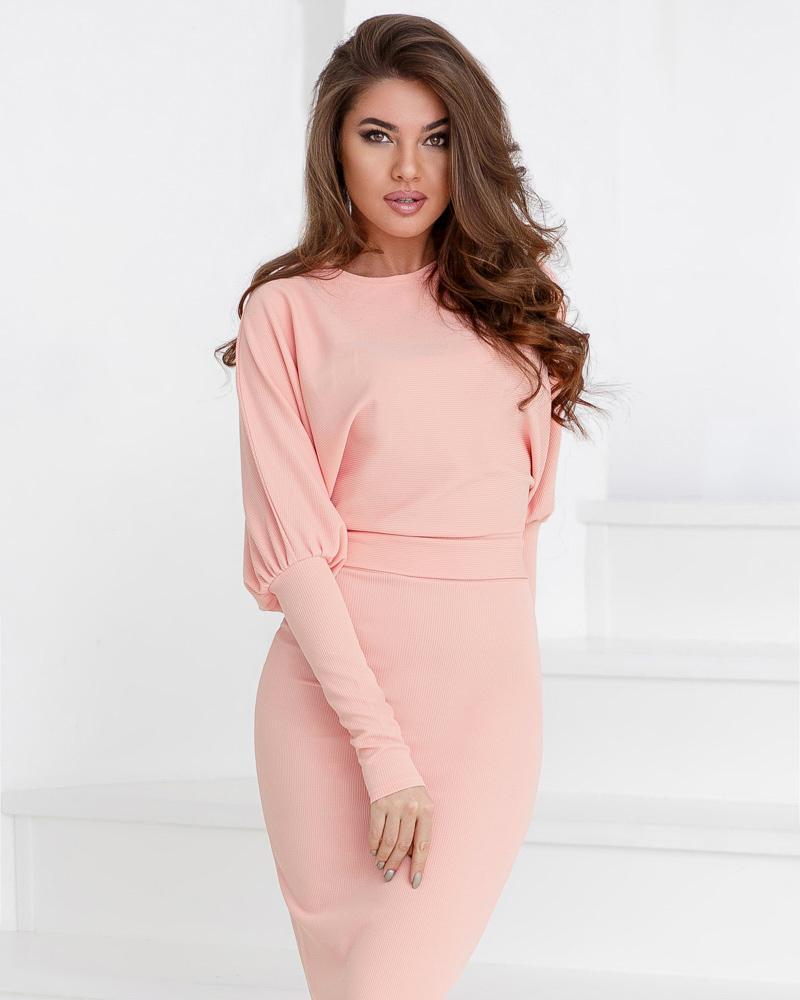 Женственное платье-резинка