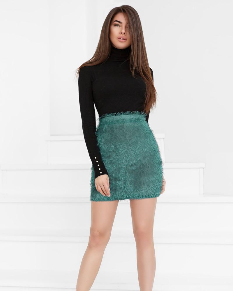 Трендовая пушистая юбка
