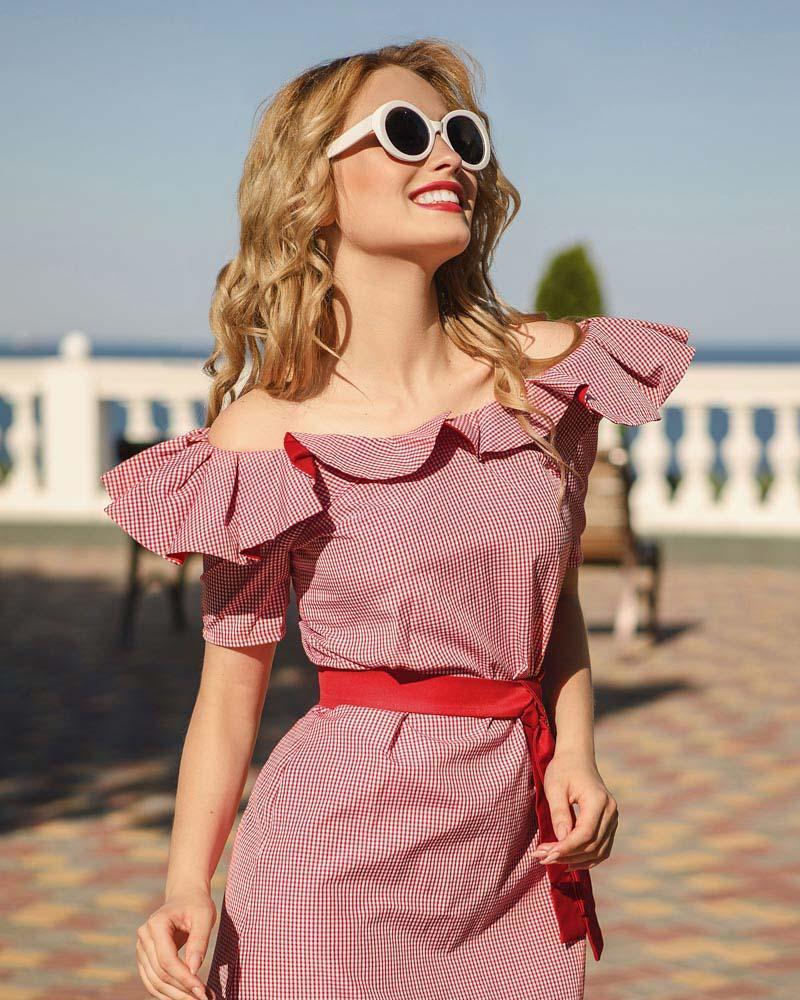 Платье с воланами фото