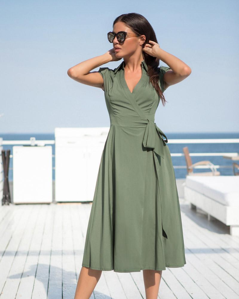 Лаконичное платье-миди фото