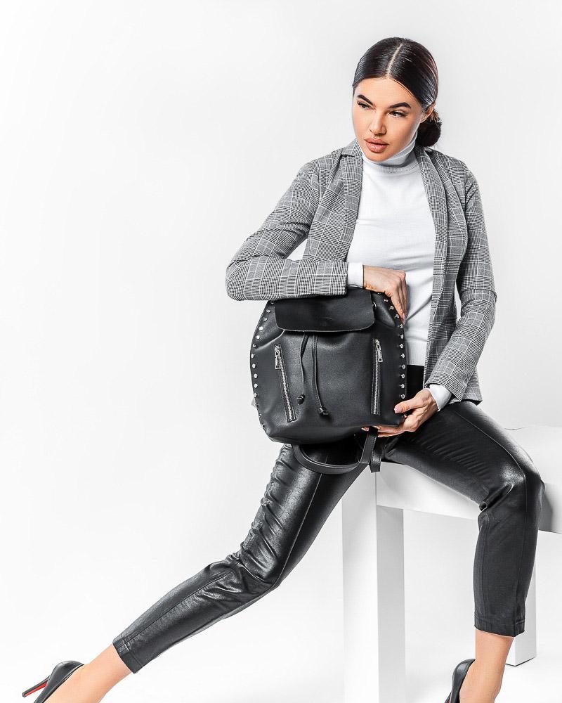 Повседневный кожаный рюкзак