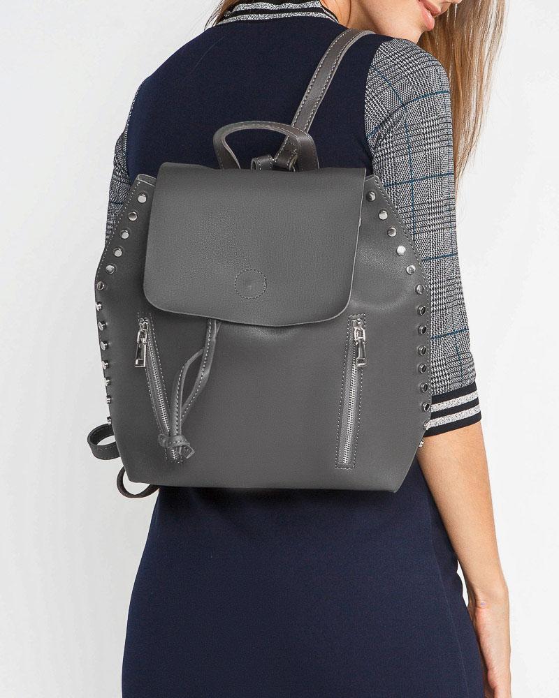Вместительный женский рюкзак фото