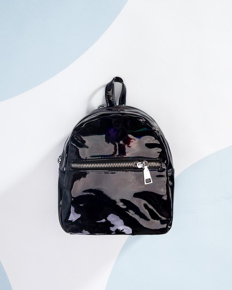 Маленький лаковый рюкзак фото