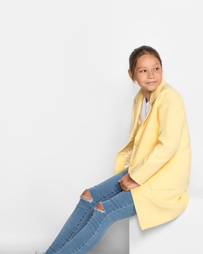 Демисезонное детское пальто фото