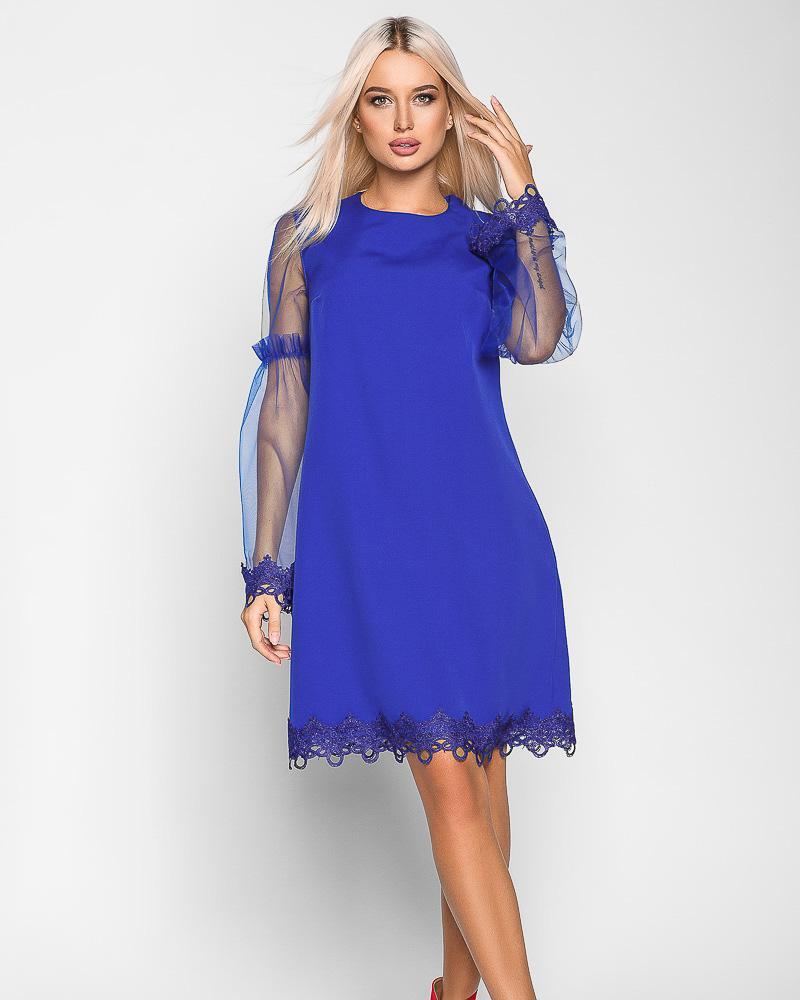 Яркое платье-трапеция