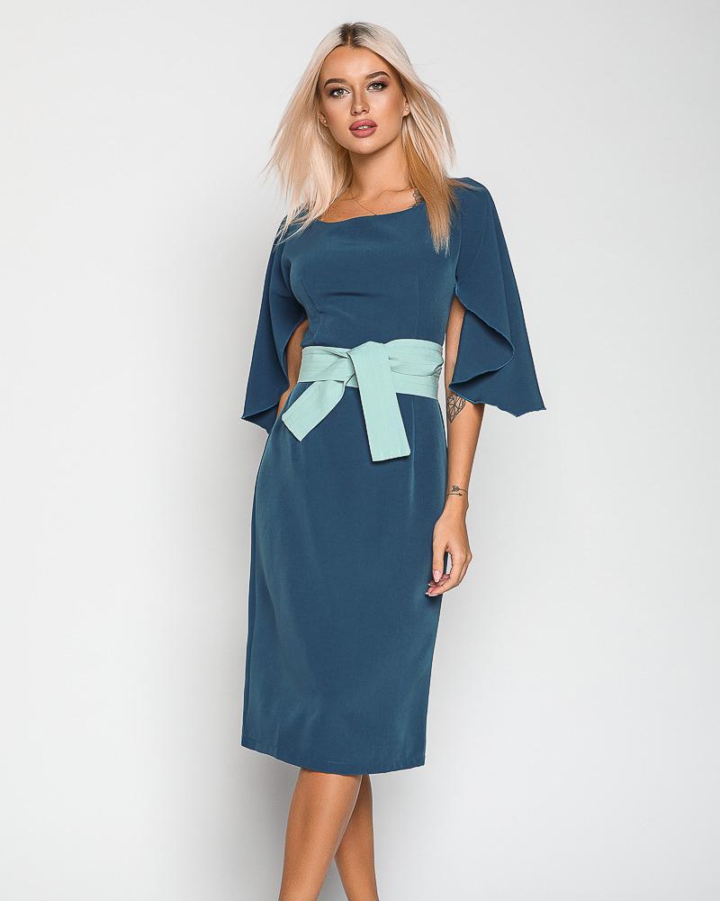 Контрастное деловое платье