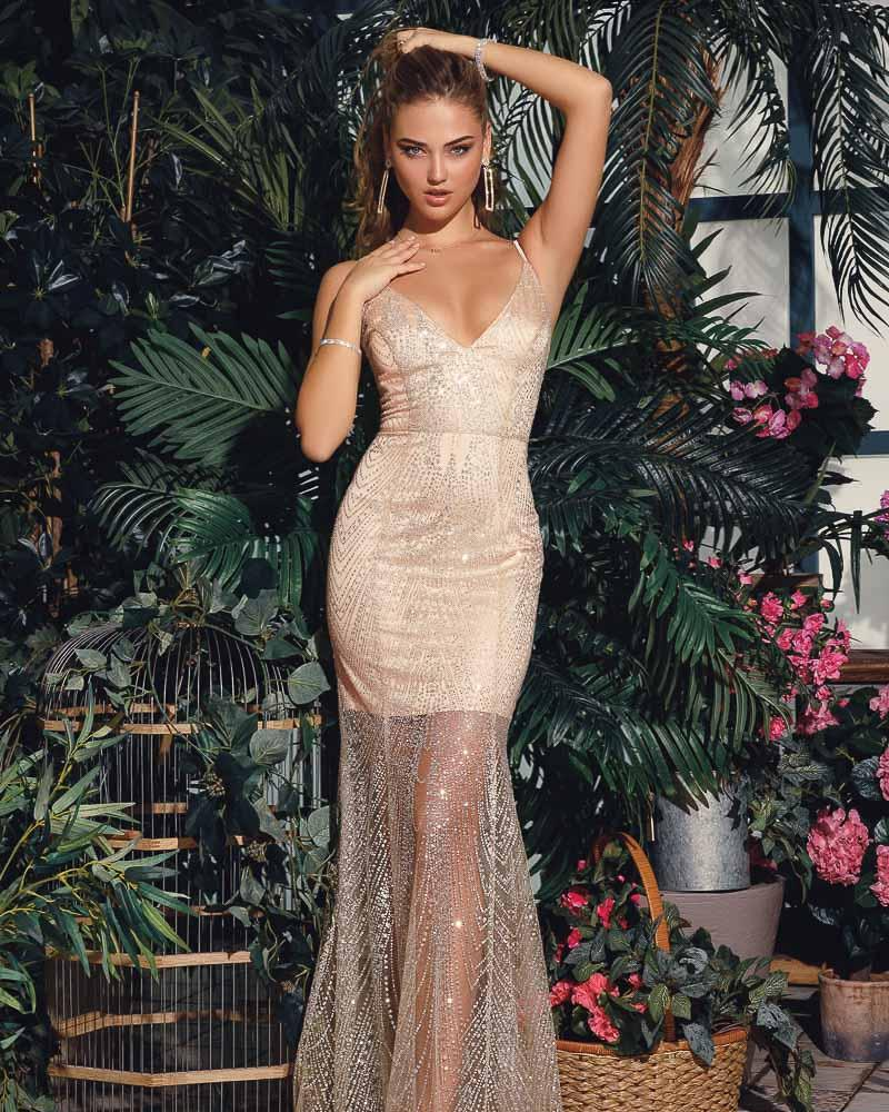 Изящное платье-годе фото