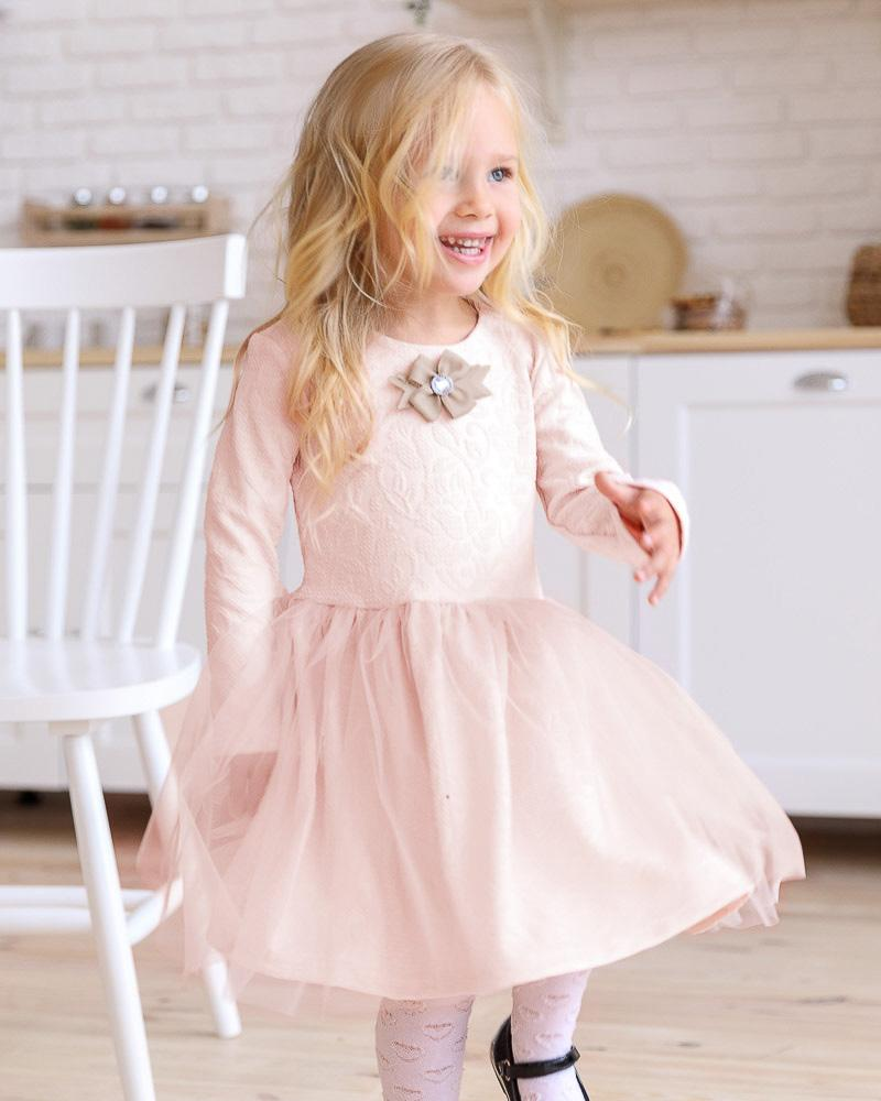 Платье с брошью фото