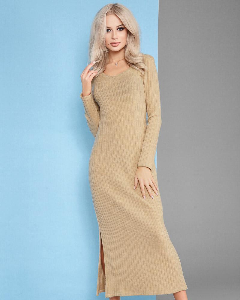 Трикотажное платье-макси фото
