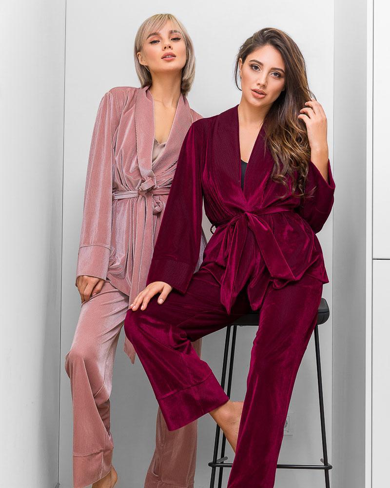 Пижама на запа́х винного оттенка фото