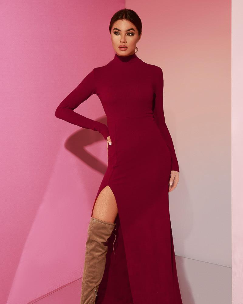 Эффектное трикотажное платье