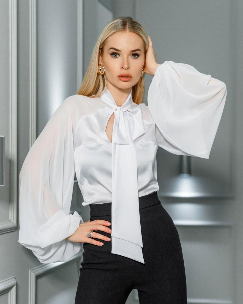 Шелковая блуза на завязках фото