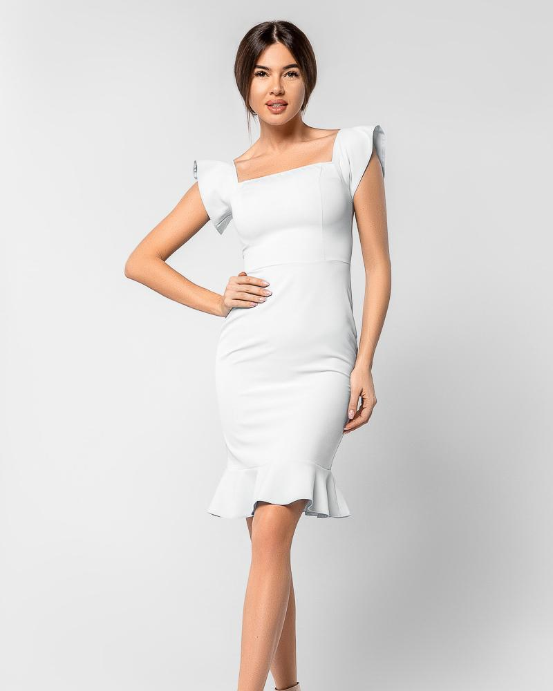 Легкое платье с воланом