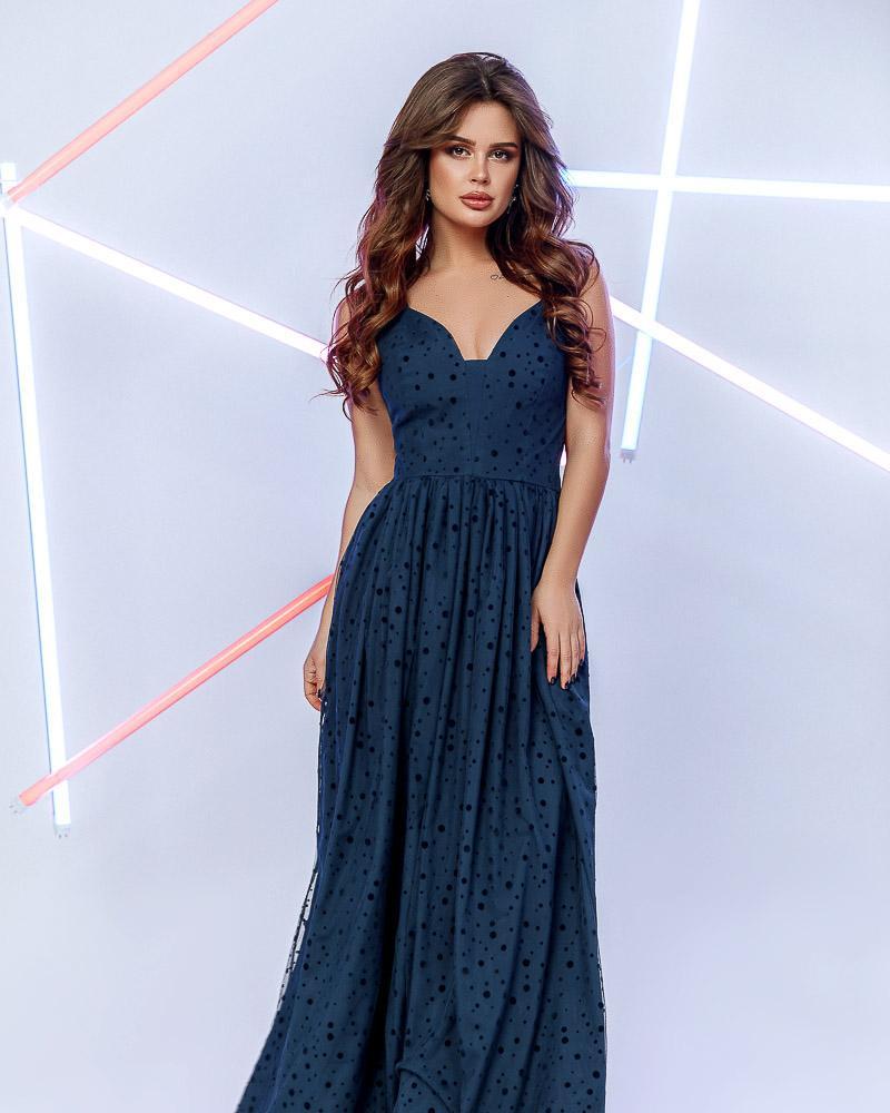 Платье-макси с декором