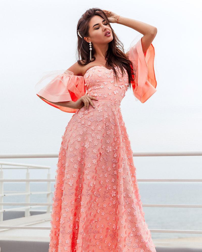 Сукня з фігурним вирізом от Gepur