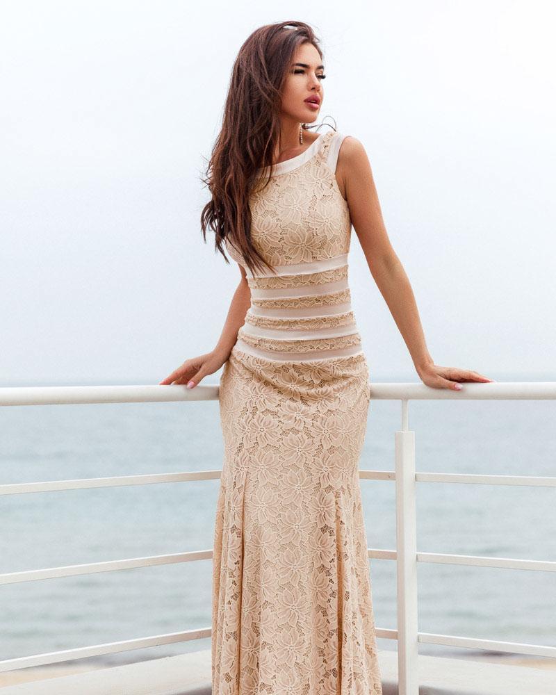 Облегающее длинное платье фото