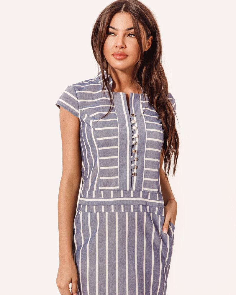 Платье в полосатый принт фото