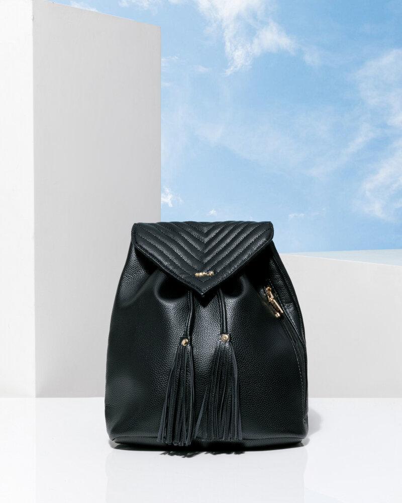 Минималистичный черный рюкзак