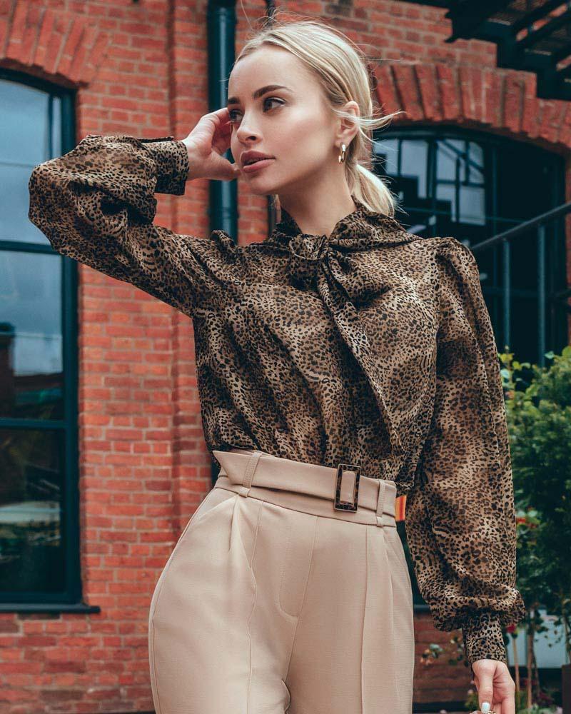 Шифоновая блуза в леопардовый принт фото