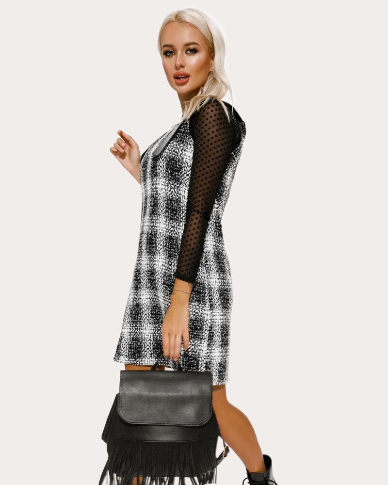 Рюкзак черного цвета с бахромой