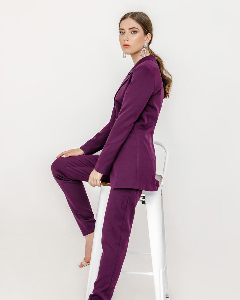 Стильный костюм с брюками фото