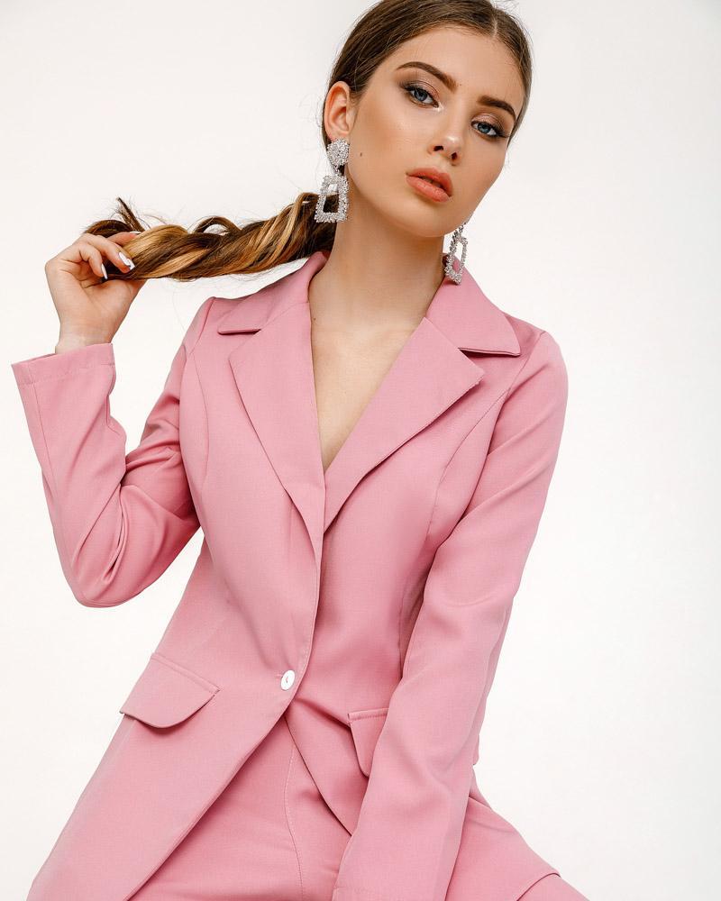 Костюм ніжного рожевого кольору от Gepur