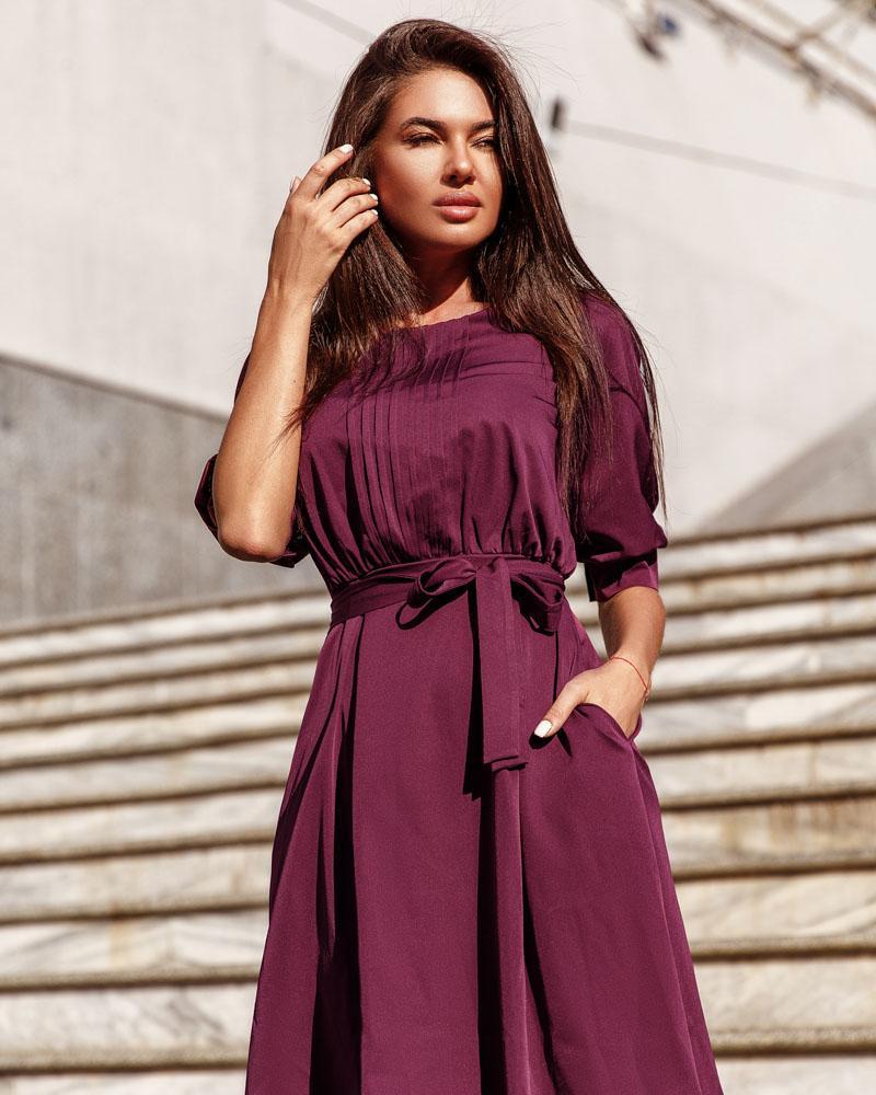 Классическое сдержанное платье фото
