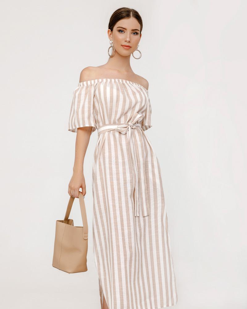 Платье с боковыми разрезами фото