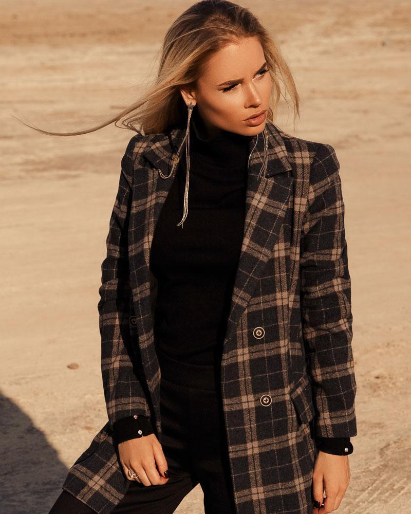 Двобортне коротке пальто от Gepur