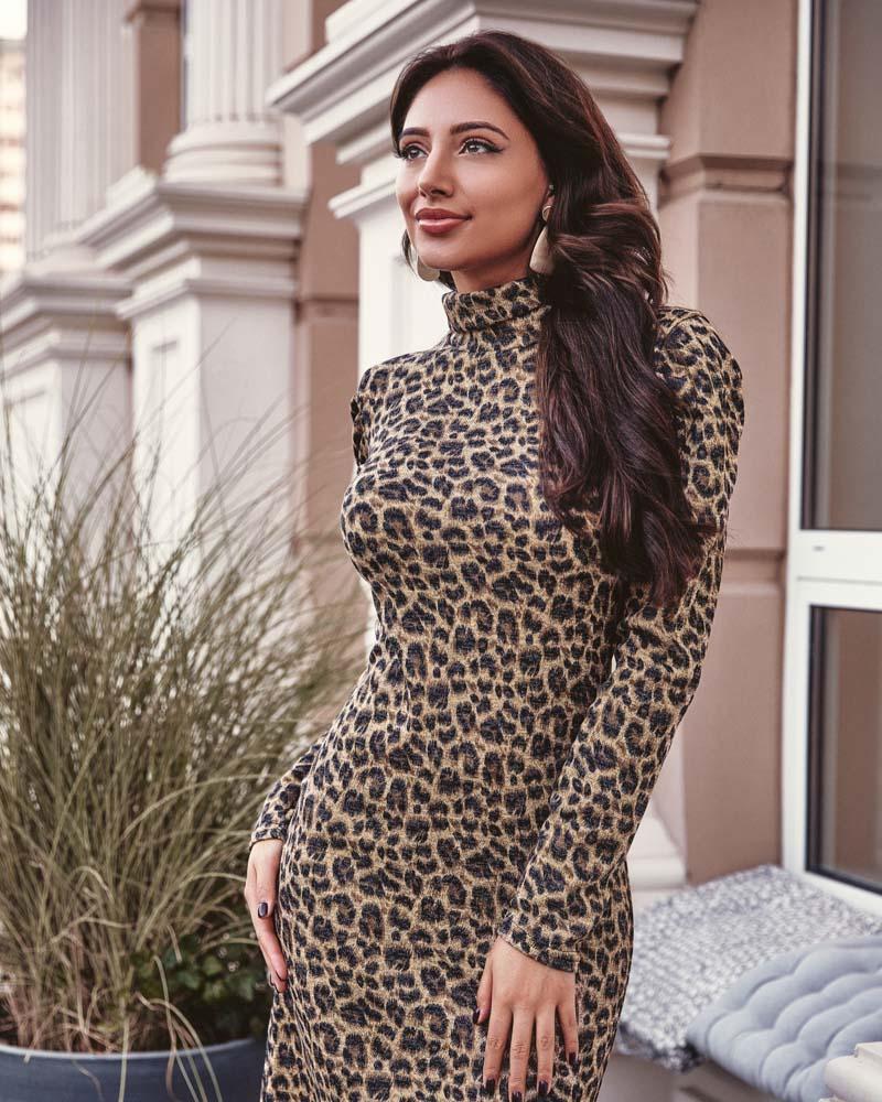 Платье в леопардовый принт фото