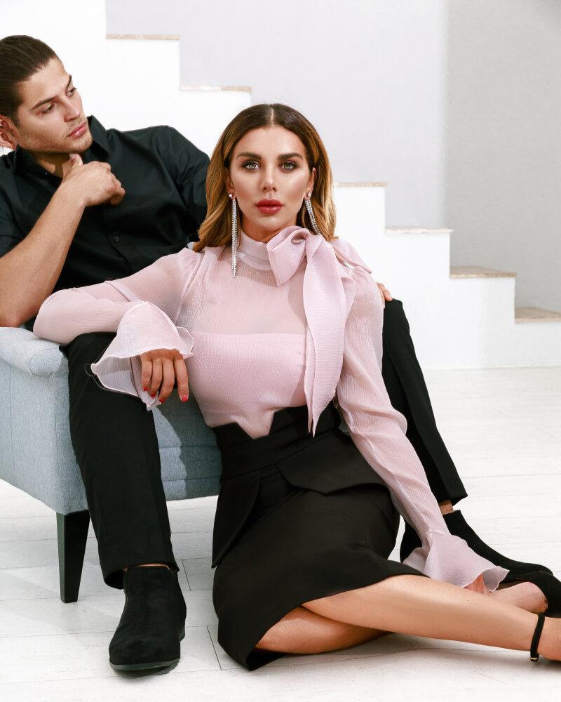 Нежно-розовая блуза фото
