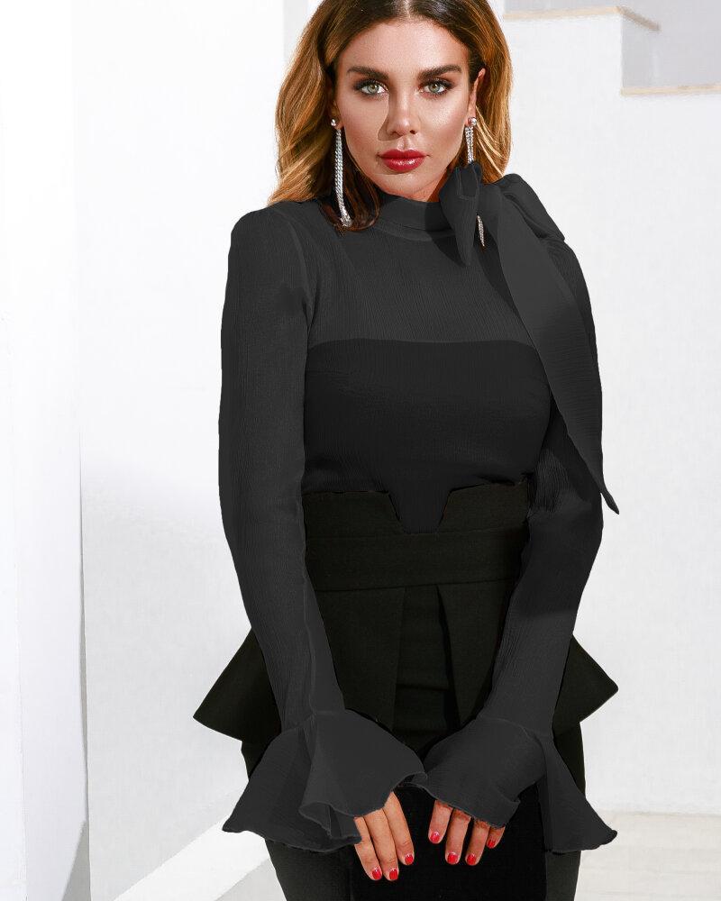 Блуза с бантом черного цвета