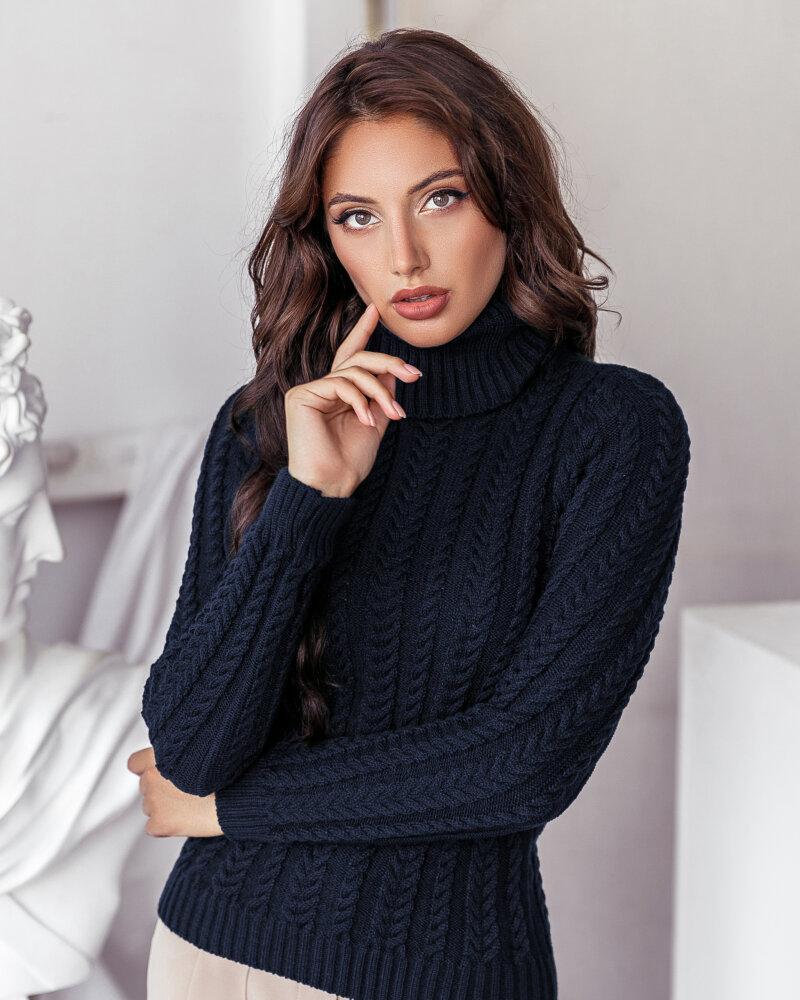 Вязаный свитер темно-синего оттенка фото